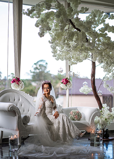 fitted Ivory Bridal Gown with sleeves